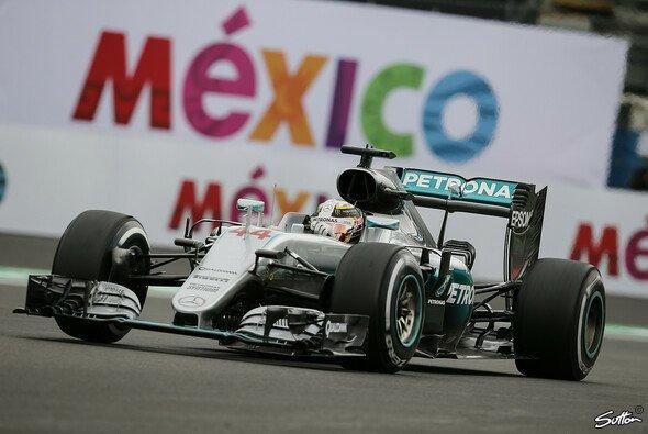 Pole Position für Lewis Hamilton beim Mexiko GP vor Nico Rosberg - Foto: Sutton