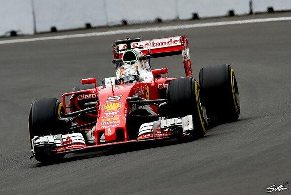 Sebastian Vettel fuhr im 2. Training von Mexiko die Bestzeit - Foto: Sutton