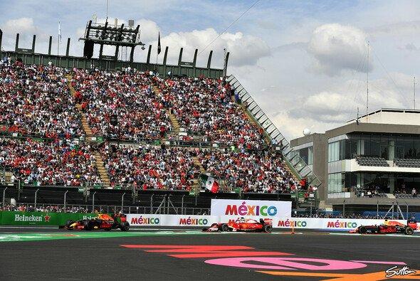 Die Entscheidung bleibt: Die Stewards nehmen Vettels Strafe nicht zurück - Foto: Sutton