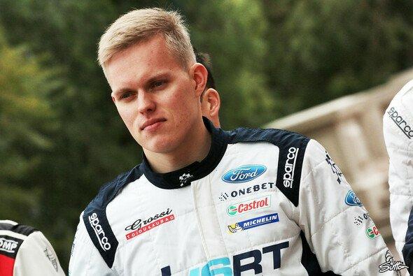 Ott Tänak startet ab 2018 für Toyota in der WRC - Foto: Sutton