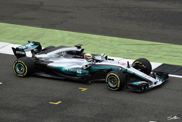 Der F1 W08 EQ Power+ in Action - Foto: Sutton