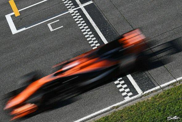 McLaren heute mit 72 Runden: Kein Ehekrach mit Honda - Foto: Sutton