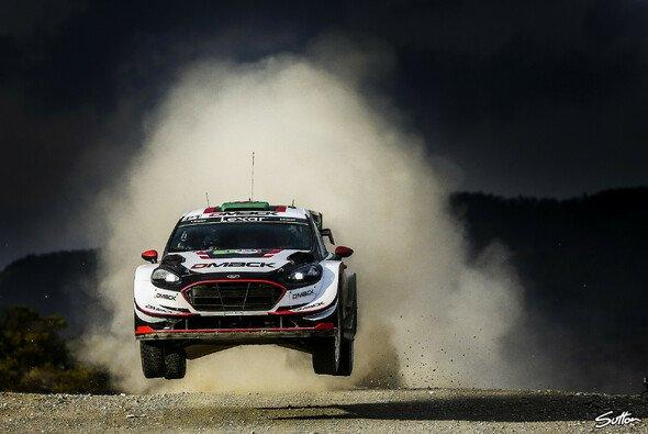 Elfyn Evans heißt der überraschende Führende der Rallye Argentinien - Foto: Sutton