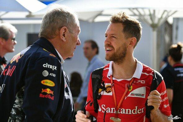 Dr. Helmut Marko und Sebastian Vettel stehen noch immer eng in Kontakt - Foto: Sutton