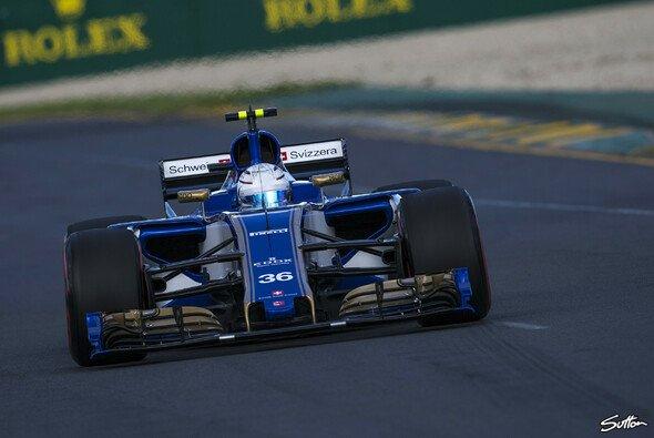 Antonio Giovinazzi fuhr bereits zwei Rennen im Ferrari-befeuerten Sauber - Foto: Sutton