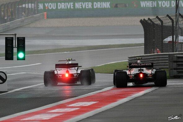 Der Nebel ließ den Fahrern in China kaum Zeit zum Fahren - Foto: Sutton