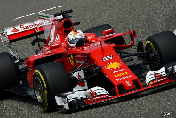 Geht Sebastian Vettel als Favorit in den China GP? - Foto: Sutton