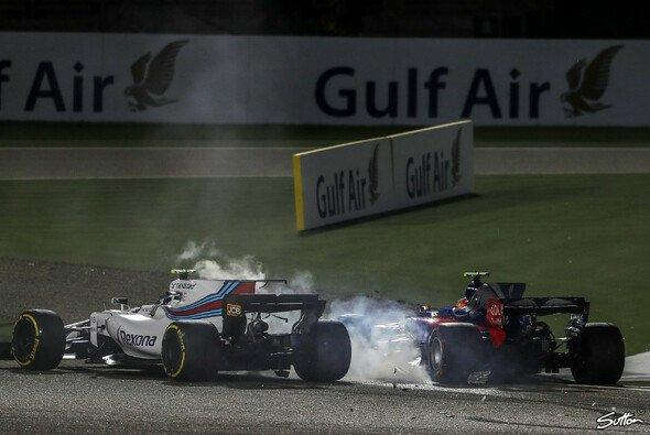 Lance Stroll und Carlos Sainz gingen sich nach ihrem Crash in Bahrain auch verbal an die Hälse - Foto: Sutton