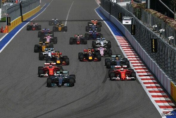 Der Russland GP in Sotschi verfügt über einen extrem langen Run zu Kurve eins - Foto: Sutton