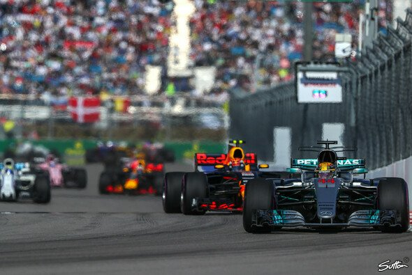 In Sochi war Lewis Hamilton chancenlos - Foto: Sutton