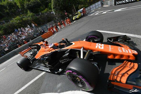 Jenson Button muss in Monaco beim Formel-1-Comeback wohl von hinten starten - Foto: Sutton