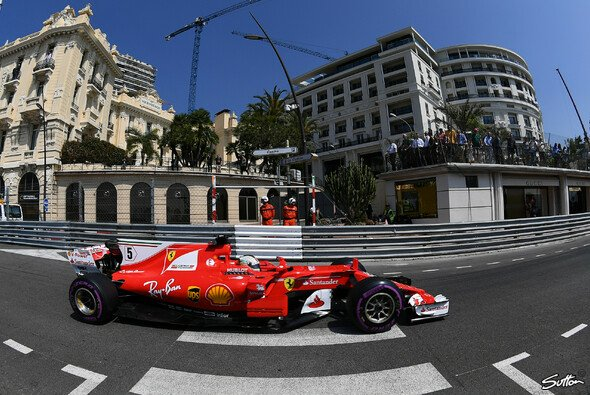 Sebastian Vettel musste Kimi Räikkönen den Vortritt in Monaco überlassen - Foto: Sutton