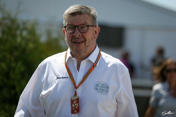 Formel-1-Sportchef Ross Brawn erklärt die neue Punkteregelung - Foto: Sutton
