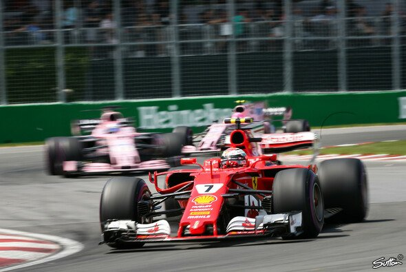 Kimi Räikkönen brachte das leidige Thema der blauen Flaggen wieder auf den Tisch - Foto: Sutton