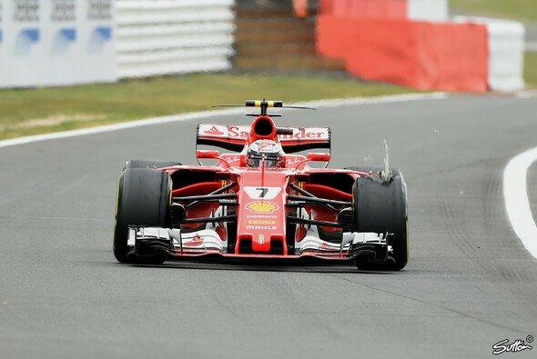 Kimi Räikkönen fuhr trotz seines Reifenschadens aufs Podest - Foto: Sutton