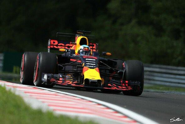 Daniel Ricciardo und Red Bull drückten dem Freitag in Budapest ihren Stempel auf - Foto: Sutton