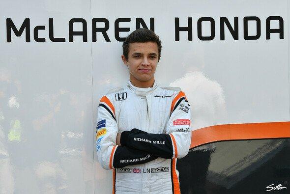 Lando Norris durfte in Ungarn erstmals einen Formel-1-Rennwagen steuern - Foto: Sutton