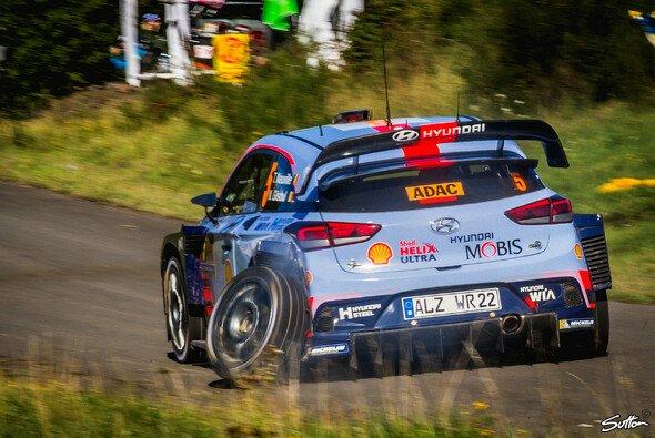 Thierry Neuville blieb bei der Rallye Deutschland punktelos - Foto: Sutton
