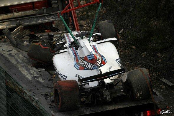 Felipe Massas Abflug im 1. Training zum Belgien GP hat böse Folgen - Foto: Sutton