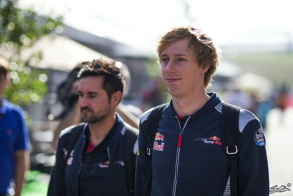Brendon Hartley (r.) gibt in Austin sein Formel-1-Debüt - Foto: Sutton