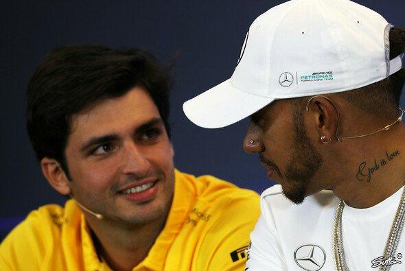 Carlos Sainz zeigte sich in Austin erstmals im gelben Renault-Dress - Foto: Sutton