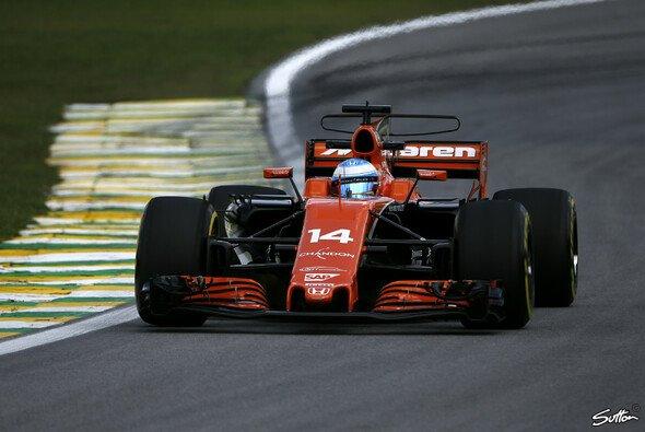 McLaren wechselt zur Formel-1-Saison 2018 nicht nur den Motor sondern auch den Benzinlieferanten - Foto: Sutton