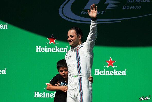 Felipe Massa wurde von seinen brasilianischen Fans erneut emotional verabschiedet - Foto: Sutton