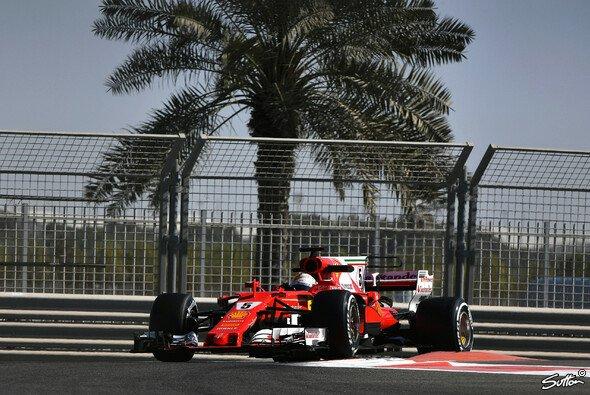 Sebastian Vettel holte sich beim Test in Abu Dhabi die letzte Bestzeit in der Formel-1-Saison 2017 - Foto: Sutton