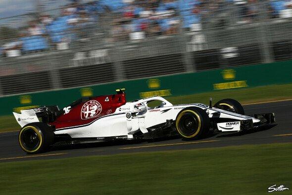 Sauber liegt beim Formel-1-Saisonauftakt in Australien abgeschlagen am Ende des Feldes - Foto: Sutton
