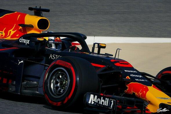 Daniel Ricciardo weiß schon ganz genau, wie er in Bahrain Mercedes und Ferrari schlagen will - Foto: Sutton