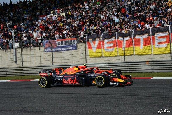 Dr. Helmut Marko nimmt Verstappen für den Unfall mit Vettel in Schutz - Foto: Sutton
