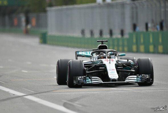 Mercedes-Pilot Lewis Hamilton hat in Baku seinen ersten Saisonsieg 2018 gefeiert - Foto: Sutton