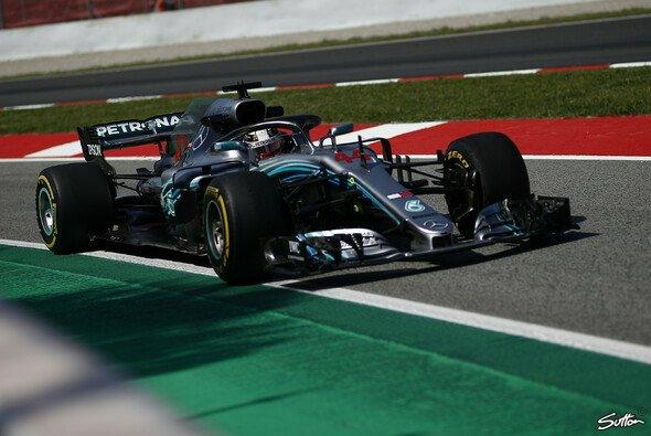 Mercedes ließ in Barcelona in Sachen Bestzeiten die Muskeln spielen - Foto: Sutton