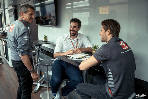 Teamchef Günther Steiner sagt im Interview Hallo - Foto: Sutton