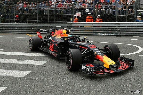 Daniel Ricciardo erzielt die erste Monaco-Bestzeit 2018 - Foto: Sutton