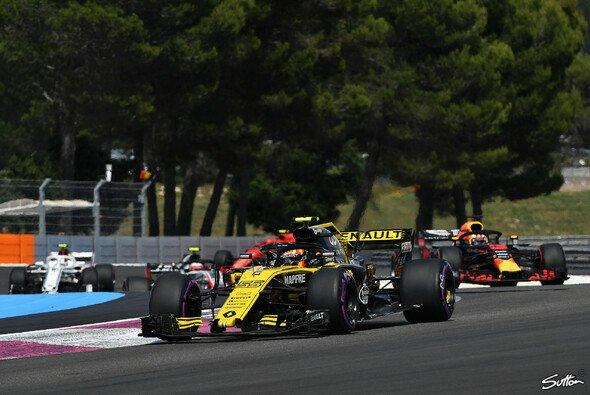 Carlos Sainz musste sich in Frankreich nach Defekt mit Platz 8 begnügen - Foto: Sutton