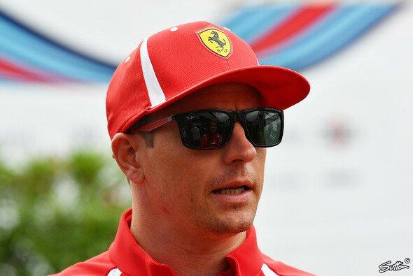 Kimi Räikkönen hält so gar nichts von den neuesten Theorien der britischen Presse - Foto: Sutton
