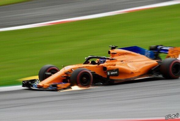 Fernando Alonso versuchte den McLaren in Österreich mit der Brechstange ins Q2 zu fahren - Foto: Sutton