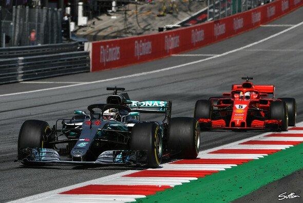 In Silverstone deutet alles auf ein reines Duell Ferrari vs. Mercedes hin - Foto: Sutton