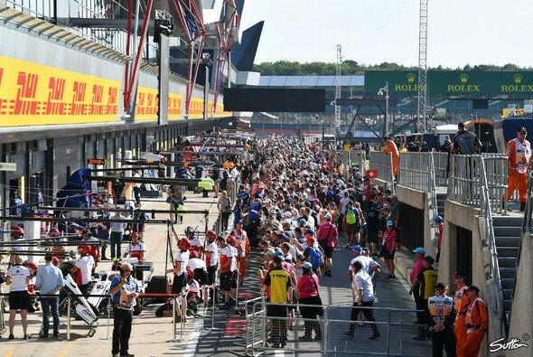 Die Formel 1 ist zu Gast in Silverstone, am Donnerstag startet das Wochenende in England - Foto: Sutton