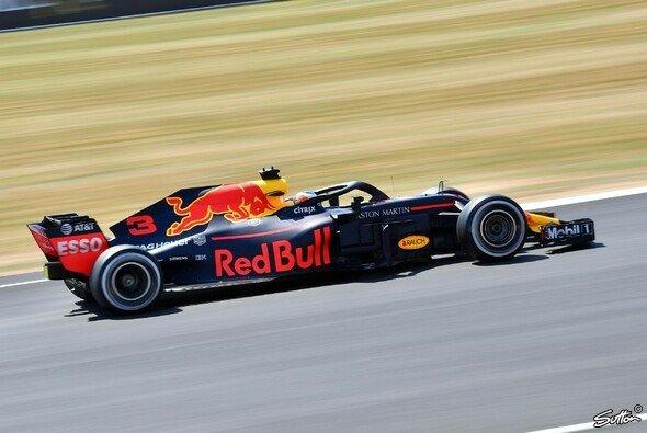 Red Bull war das einzige Team, das die DRS-Zone in Silverstone sofort ohne Probleme meisterte - Foto: Sutton