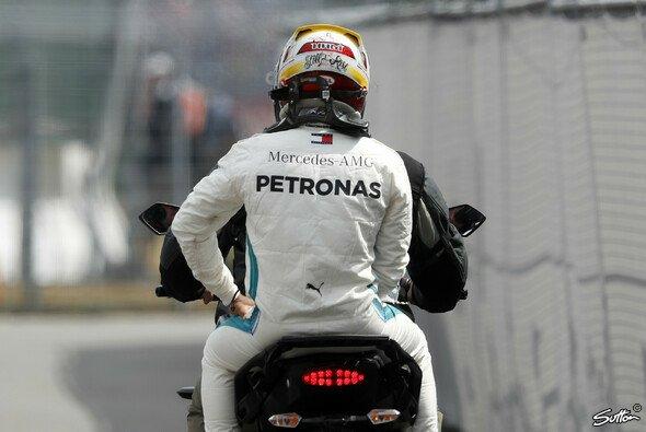 Lewis Hamilton steht beim Deutschland GP nach dem frühen Aus im Qualifying eine Aufholjagd bevor - Foto: Sutton