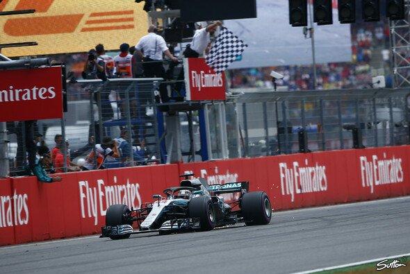 Lewis Hamilton hat überraschend den Großen Preis von Deutschland 2018 gewonnen - Foto: Sutton
