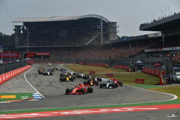 Die Formel 1 fährt auch 2019 in Hockenheim - dank Mercedes-Benz - Foto: Sutton