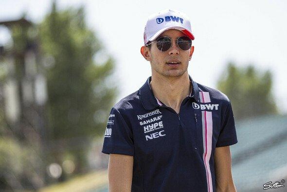 Esteban Ocon kommen für 2019 langsam die Optionen aus - Foto: Sutton