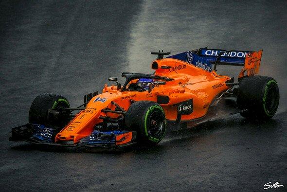 Fernando Alonso feuerte im Budapest-Qualifying wieder einmal ein paar scharfe Funksprüche ab - Foto: Sutton