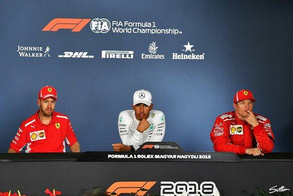 Hamilton vs. Vettel vs. Räikkönen statt Mercedes vs. Ferrari vs. Red Bull heißt in Spa 2018 der Dreikampf - Foto: Sutton