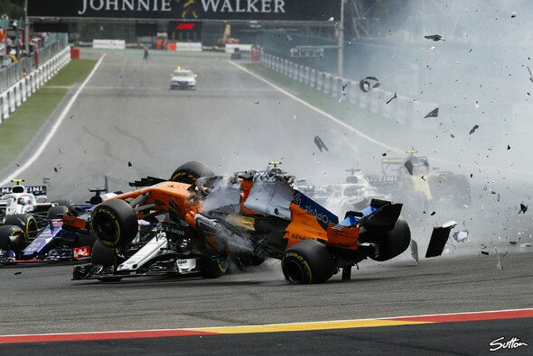 Crash-Chaos in Spa - Foto: Sutton