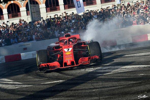 Nach einigen Fan-Festivals (hier in Mailand 2018) veranstaltet die Formel 1 2019 erstmals einen offiziellen Launch-Event zum Saisonstart - Foto: Sutton