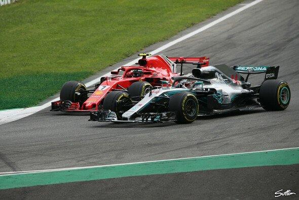 Der Racer in Lewis Hamilton wollte Kimi Räikkönen in Monza nicht mit einem Sieg davonkommen lassen - Foto: Sutton